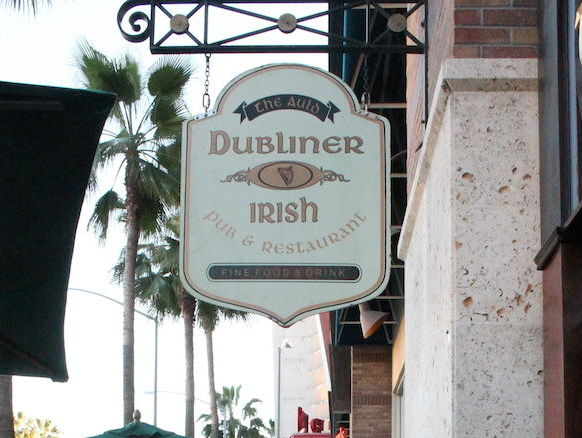 The-Auld-Dubliner-Sign